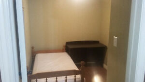 Rooms for students/Professionals - Utilities and furnished