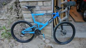 Cannondale Jekyll 800 XL - Lefty Suspension