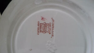Spode Buttercup teacups, saucers and bread plates