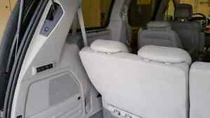 2010 Chrysler Town & Country Limited Strathcona County Edmonton Area image 7