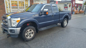 2013 Ford F250 FX4 fully loaded truck with snowplow