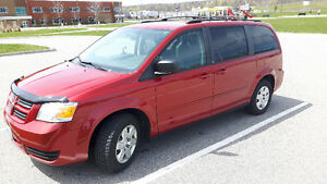 2010 Dodge Caravan - Excellent conditions, Safety