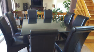 Table carrée en Granite cambrian excellente condition
