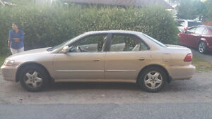 2000 Honda Accord Sedan with low millage in excellent condition