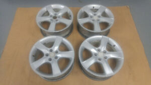 4 mags d'origine SUBARU 16 po  en  bonne condition