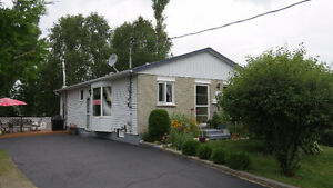 12 London in Elliot Lake ON