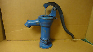 BLUE CISTERN PUMP / NO CRACKS OR BREAKS