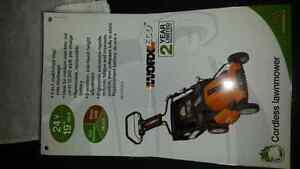 Charger for Worx Electric Mower Peterborough Peterborough Area image 2