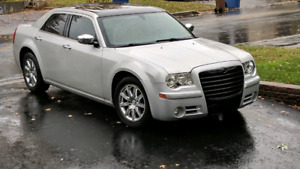 Chrysler 300 C full equipee hemi, satelite etc.
