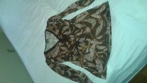 Pretty brown top In perfect condition!