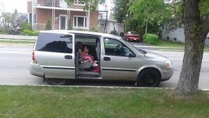 2006 Chevrolet Uplander Fourgonnette, fourgon Saguenay Saguenay-Lac-Saint-Jean image 2