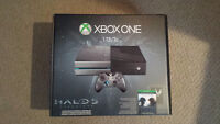 BRAND NEW!!! Xbox One Halo 5 Gaurdians limited edition console