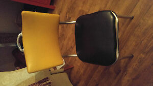 Vintage 1950's Formica Ktchen Table and 4 Chairs