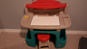 Kids art table with stool