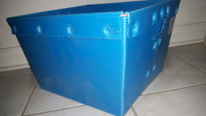Corrugated Plastic Storage Bin with metal frame 16.75x14.7x10.5""