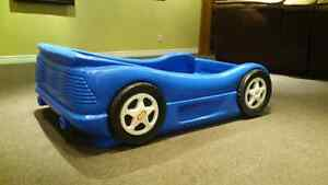 Little Tykes Race Car Bed
