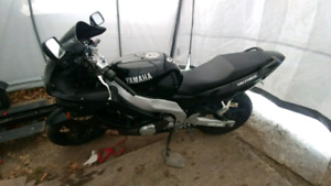 Mint yzf600 - ready for a new home