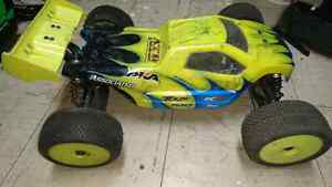 Team Associated Rc8t (Electric)  Truggy/ Buggy /TRADE WELCOME