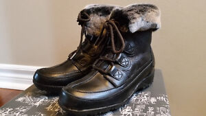 Women's Black Leather Winter Boots - Naturalizer