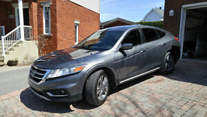 2014 Honda Accord Crosstour gris charcoal 26 900 $ NEGOCIABLE