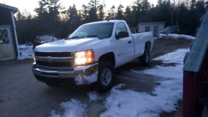 2008 HD CHEVY (RWD 8FT Box, asking 5100