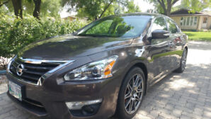 2013 Nissan Altima, 3.5SL,Loaded, Mint Condition! Price Reduced