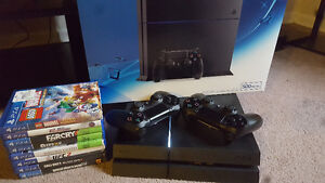 Playstation 4 / 8 games / 2 controllers / Warranty / with box