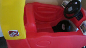 Step2 Toddle Tune Coupe - Red  (comme neuf, LIKE NEW) West Island Greater Montréal image 5