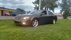 2005 NISSAN ALTIMA 3.5 SE-TRANSMISSION MANUAL 5 SPEED-A BEAUTY!