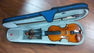 Student Violin Outfit - 4/4, 3/4 and 1/2 in New Condition