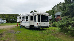 Newmar country star 35 foot fifth wheel