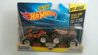 HOT WHEELS MONSTER JAM PREDATOR VS MONSTER MUTT OFFROAD DIECAST