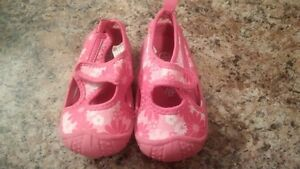 Size 5/6 Girls Water Shoes