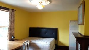 Furnished room, walk university and downtown