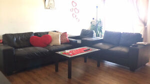 3 pic leather couches