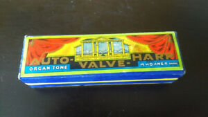 Vintage Hohner Harmonica in Excellent condition.