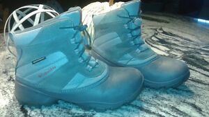 Columbia winter boots size 7 London Ontario image 1