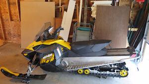 MXZ 800 Fox Shocks XS Skis MBRP Can