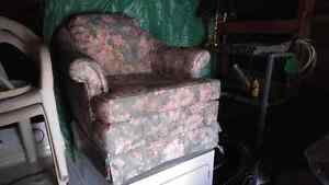 Matching Couch and Chair Peterborough Peterborough Area image 3