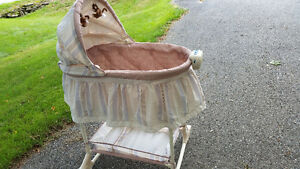 New Bassinet with Music & Vibration