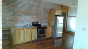 2 bedroom apt.( heat and hydro included) Peterborough Peterborough Area image 4