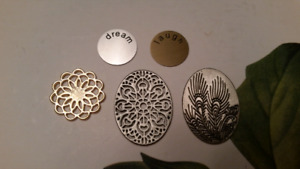 South Hill (mialisia) locket screens & coins