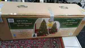 Christmas Tree - 7 1/2 ft. Brand New in Open Box - Does NOT Ligh