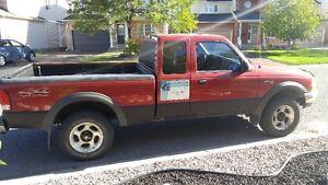 2000 Ford Ranger XLT 4x4 Pickup Truck