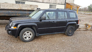 2008 Jeep Patriot SUV, Crossover timing chain gone on it 700 OBO