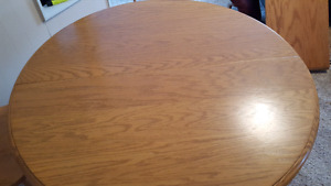 Table and 4 chairs in prime condition