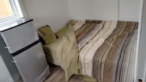 NICE BIG ROOM FULL FURNITURE AVAILABLE FOR RENT NOW....!!!