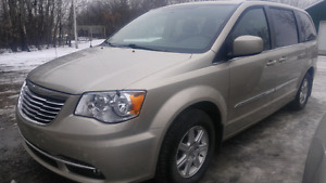 2012 town and country touring