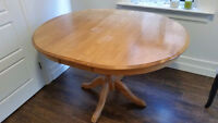 Solid Wood Oak Table with 4 Chairs (Expandable)