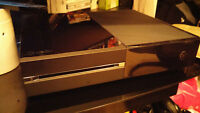 Xbox One, Two Controllers, 6 Games and a Harddrive Extention